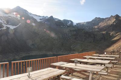 Sunterrace on the Rifugio Canziani / Höchsterhütte